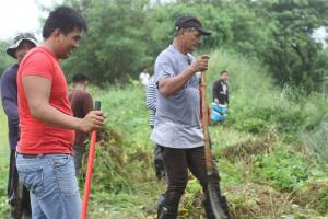 CLEAN-UP DRIVE AND TREE PLANTING  09.29.2017 (10)