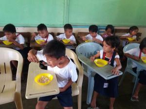 FEEDING PROGRAM @ VECS (19)